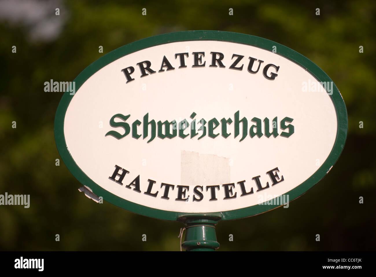 Österreich, Wien II, Prater, Vergnügungspark Wurstelprater, Schweizerhaus, Haltestelle des Praterzuges. - Stock Image