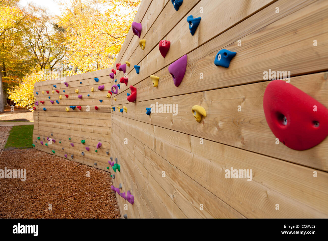 wooden climbing wall at Runways End Outdoor Activity Centre, Farnborough - Stock Image