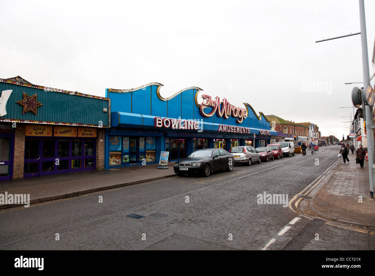 East coast, Mablethorpe, Lincolnshire amusements arcades on High Street promenade shoppers and tourists - Stock Image
