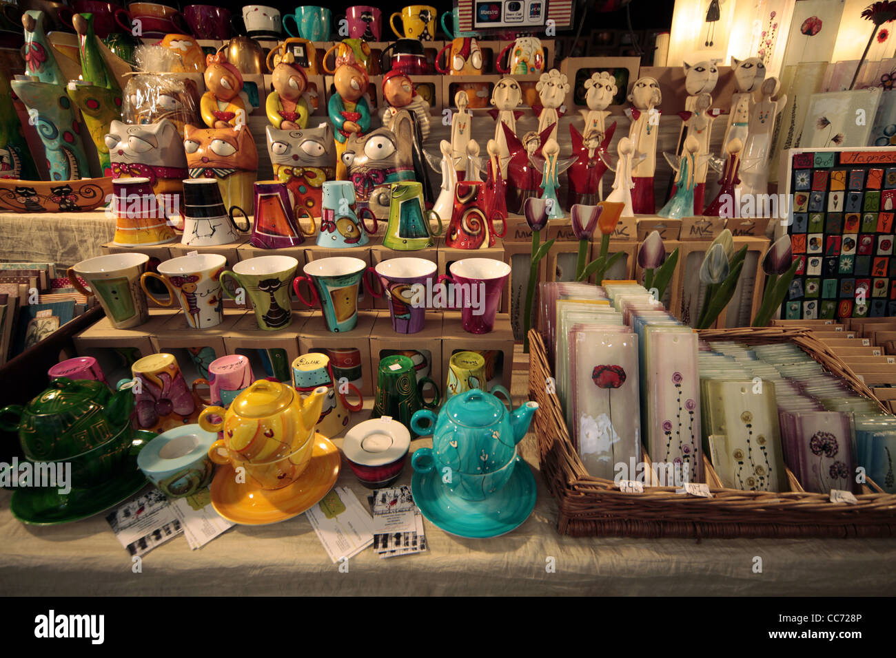 CUPS SAUCERS & TEE POTS ON STALL KRAKOW POLAND 25 December 2011 - Stock Image