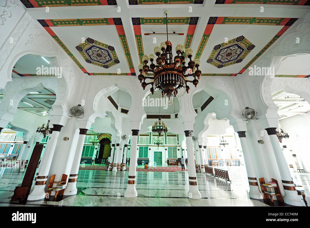 Indonesia Sumatra Banda Aceh Inside The Baiturrahman Grand Mosque Mesjid Raya Baiturrahman Stock Photo Alamy