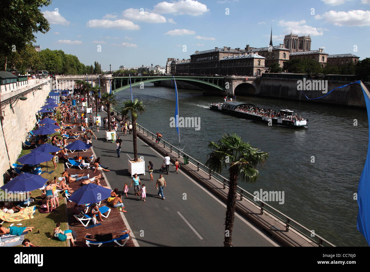 France, Paris, Temporary artificial beaches along River Seine during the months of Paris-Plages - Stock Image