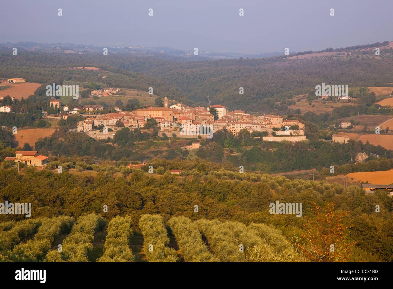 Piegaro, a hilltop village amid the rural Umbrian landscape, Province of Perugia, Umbria, Italy - Stock Image