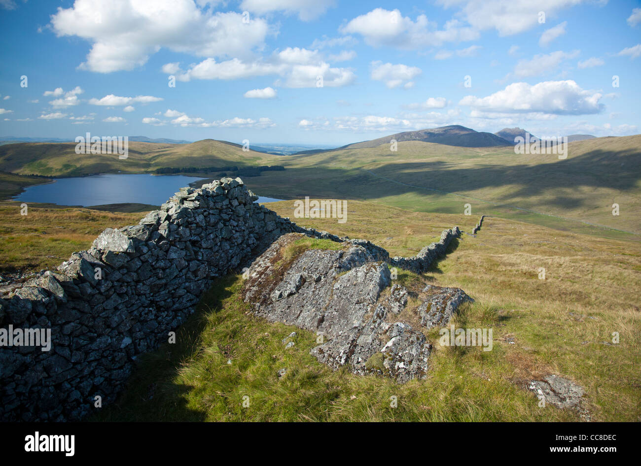 View towards the High Mournes from Pigeon Rock Mountain, Mourne Mountains, County Down, Northern Ireland. - Stock Image