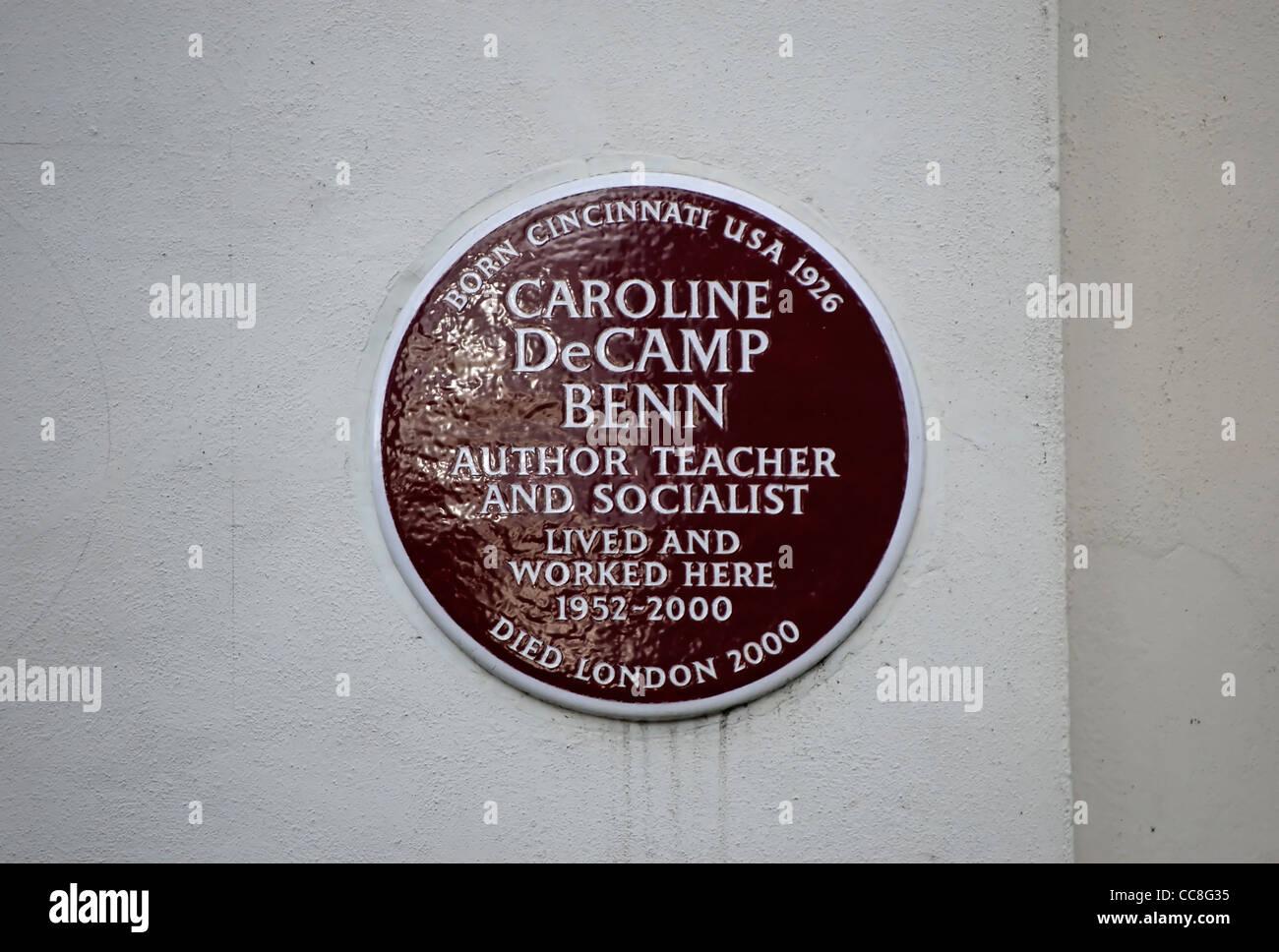 plaque marking a home of author, teacher and socialist caroline decamp benn, wife of politician tony benn,  london, - Stock Image