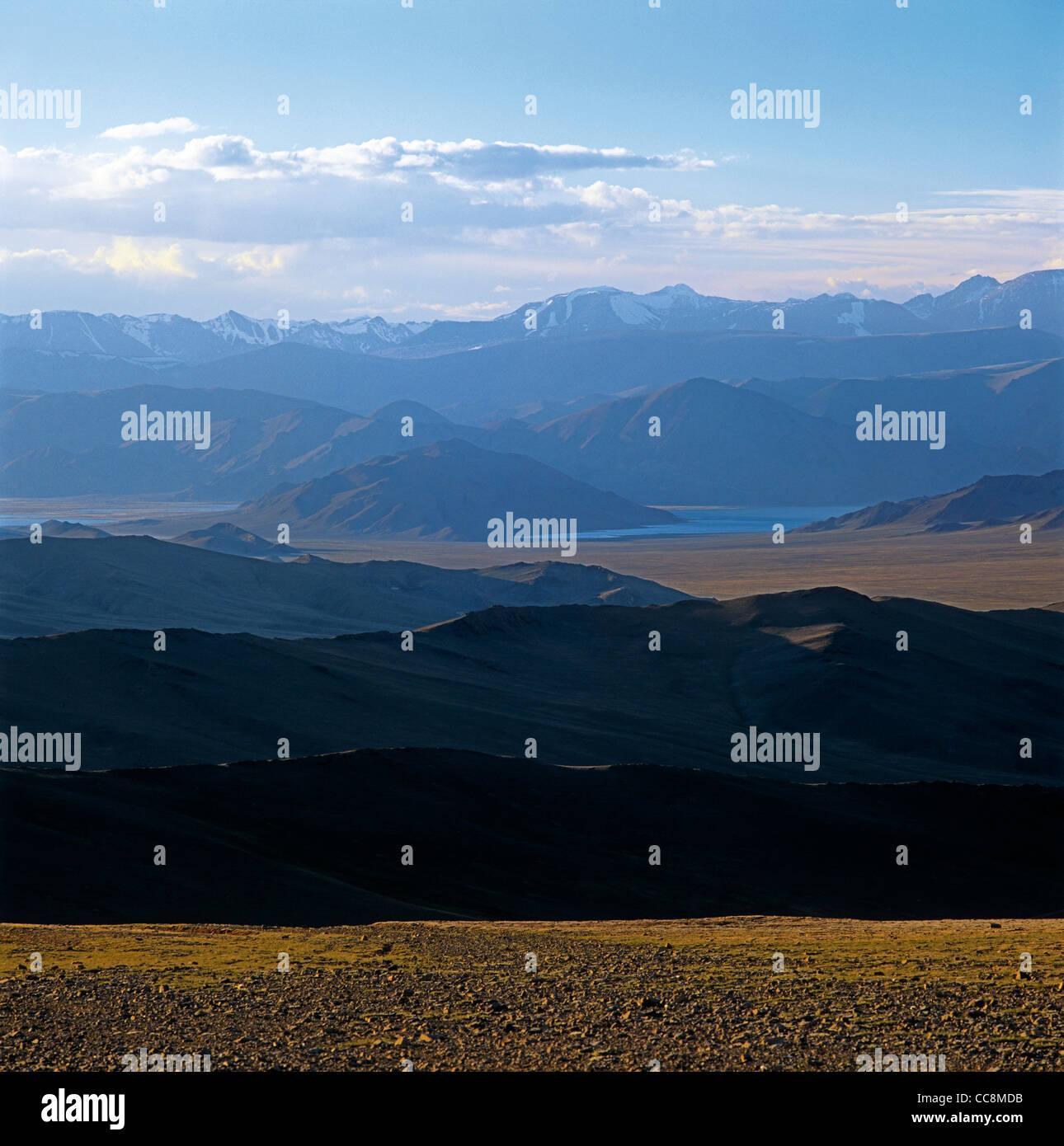 View from the top of the Obotyn-Daba (Dava) Pass. Bayan-Ulgii aimag (province).  West Mongolia.  Tsagan-Nur lake Stock Photo