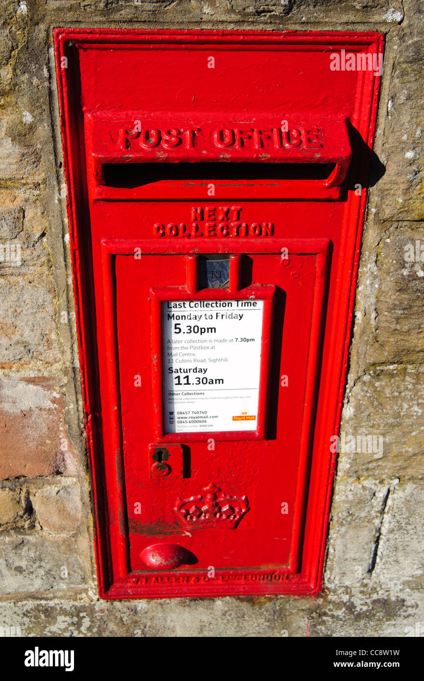 Traditional Royal Mail Letter Box in wall of Edinburgh, Scotland, UK - Stock Image