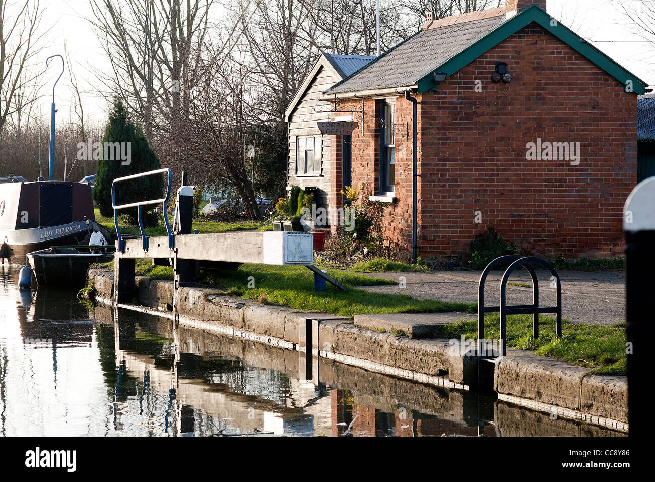 towpath hut on the chelmer navigation - Stock Image