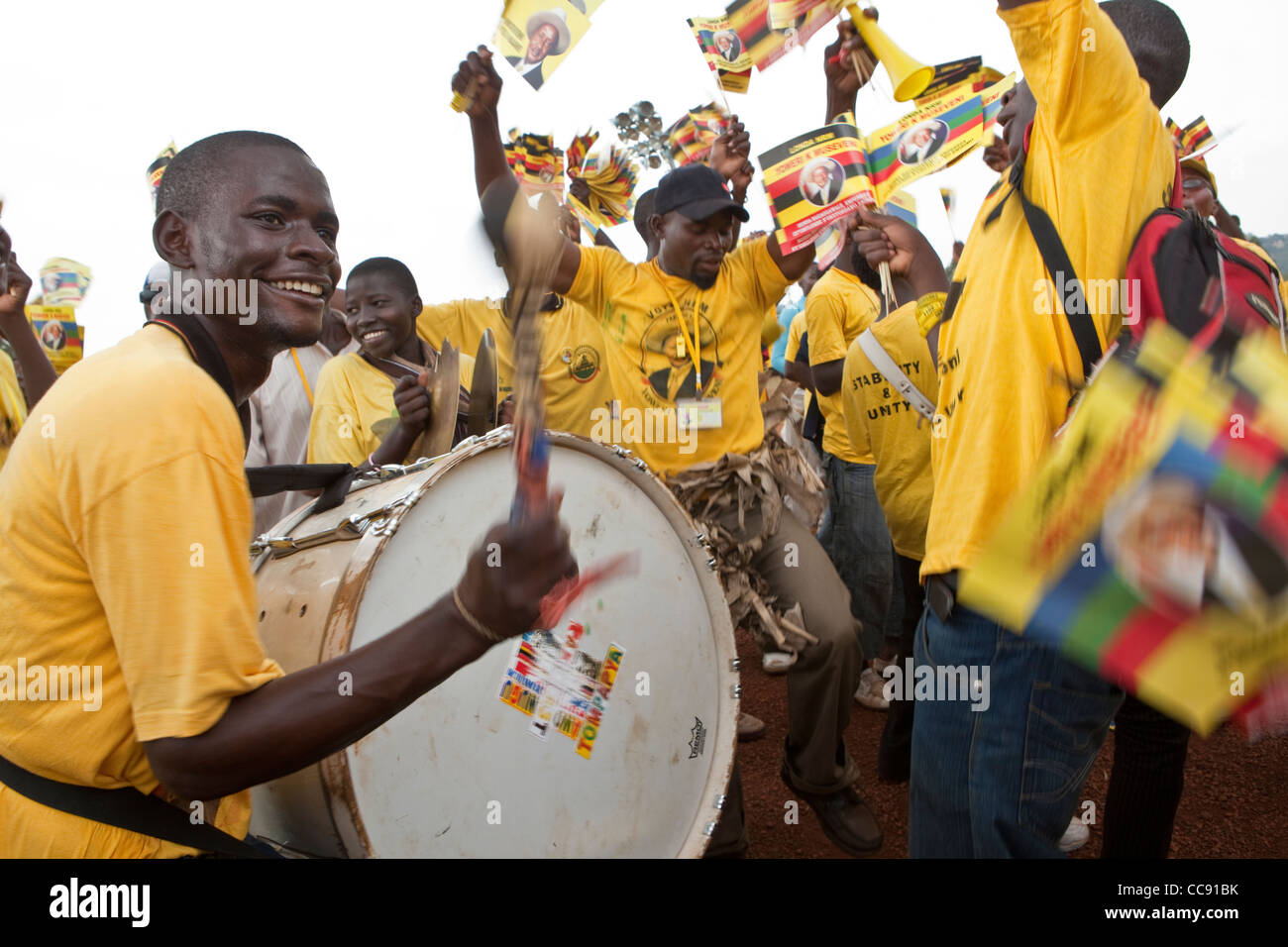Supporters of President Museveni rally in Kampala, Uganda ahead of the 2011 election. - Stock Image