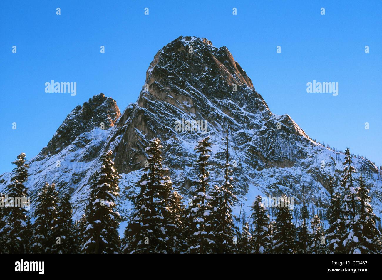 Liberty Bell Mountain from North Cascades Highway at Washington Pass; Okanogan National Forest, Washington. - Stock Image