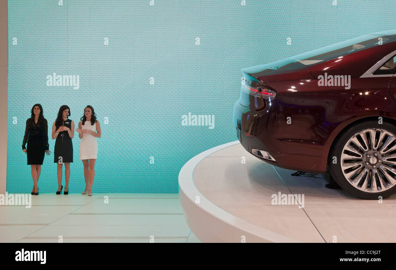 Detroit, Michigan - Models at the 2013 Lincoln MKZ concept car on display at the North American International Auto Stock Photo