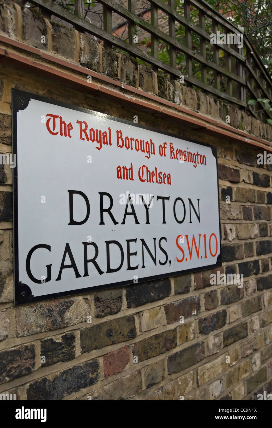 street name sign for drayton gardens, in the royal borough of kensington and chelsea, london, england Stock Photo