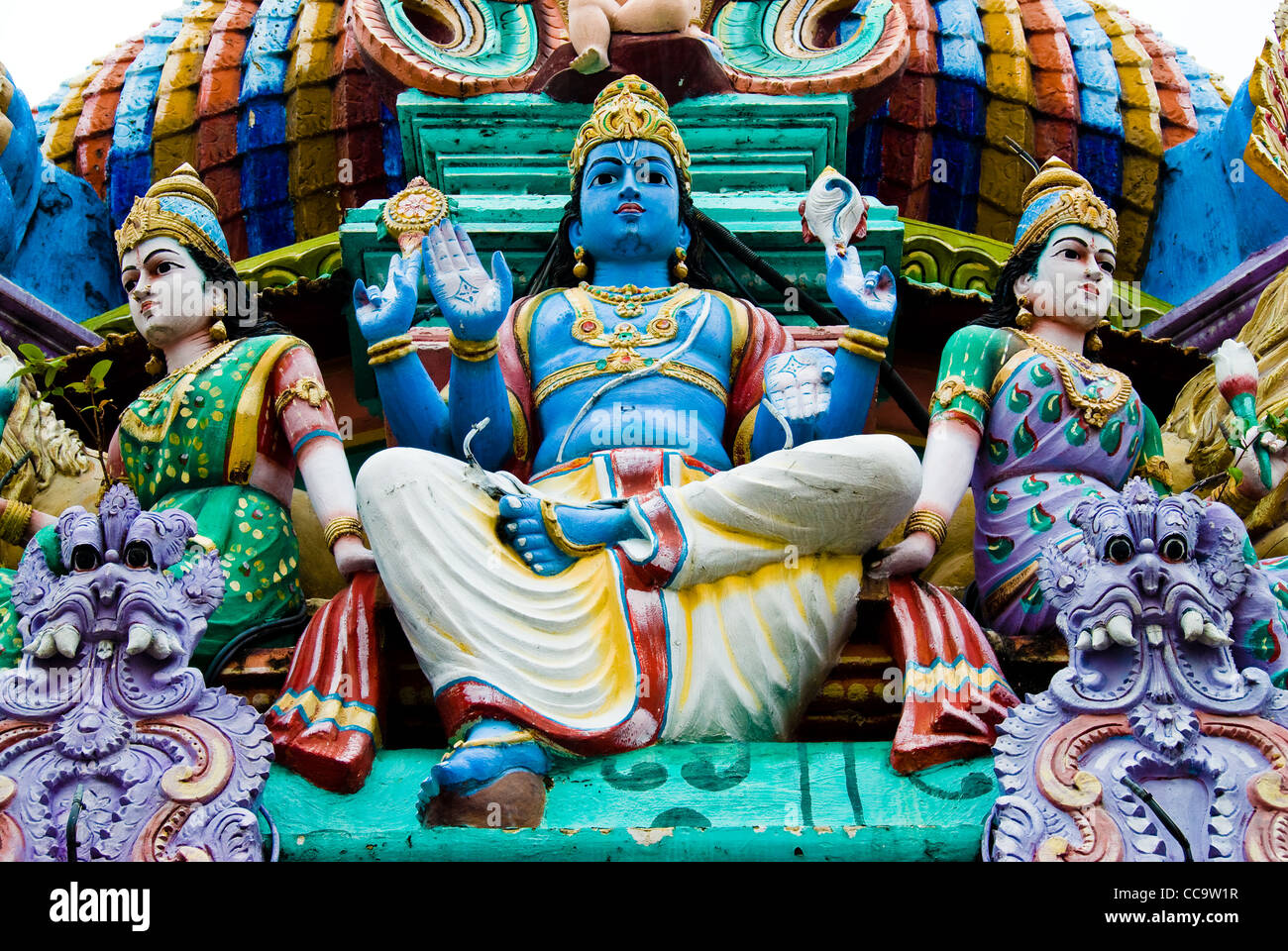statues on a hindu temple, singapore - Stock Image