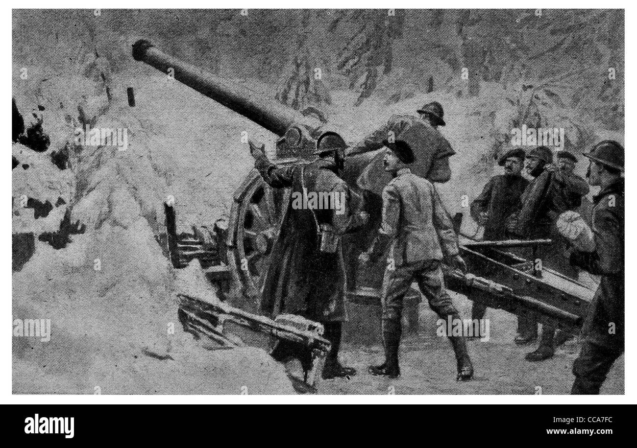 1917 French artillery 4.8 inch gun Swiss frontier cannon howitzer winter snow mountain warfare loading shell bombing - Stock Image