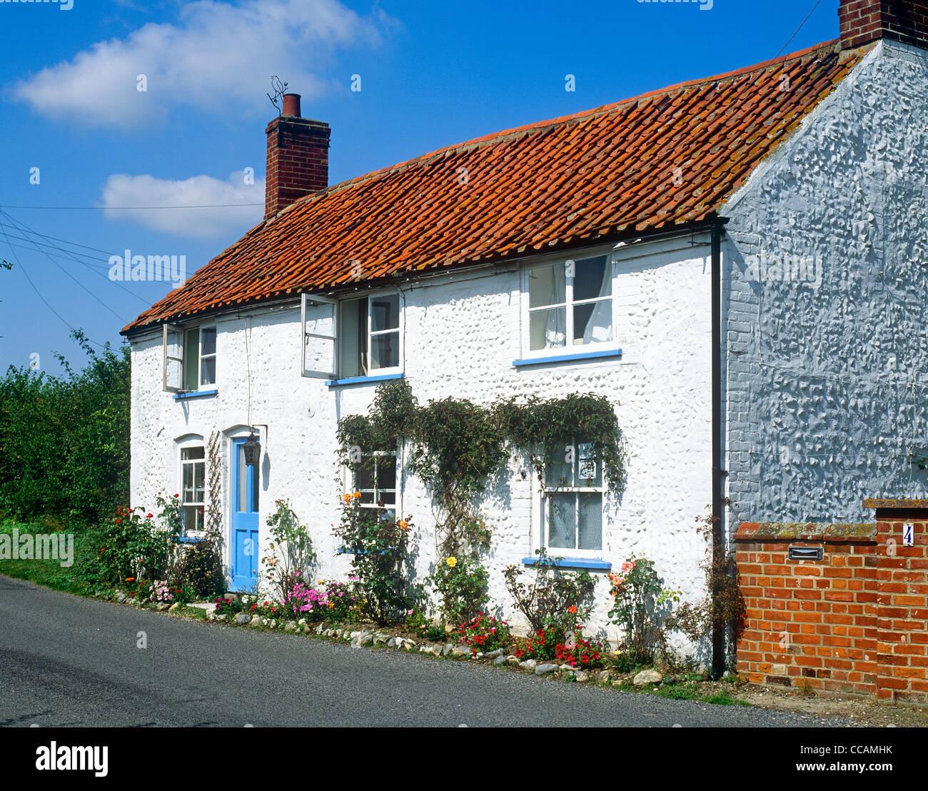 Traditional Cottage Norfolk UK - Stock Image
