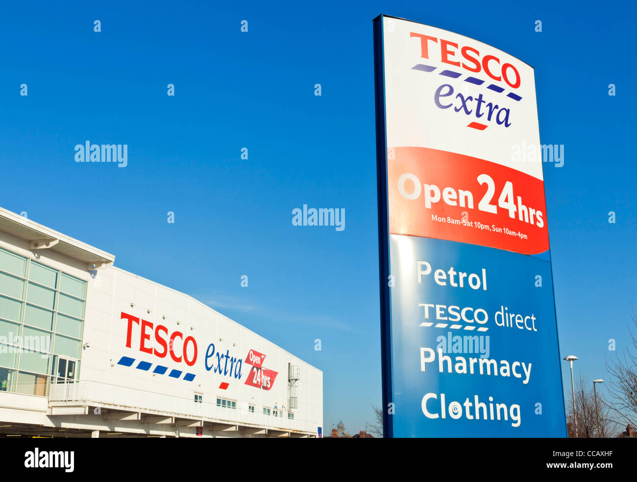 Tesco Extra Supermarket Long eaton town Derbyshire Nottinghamshire England UK GB EU Europe - Stock Image