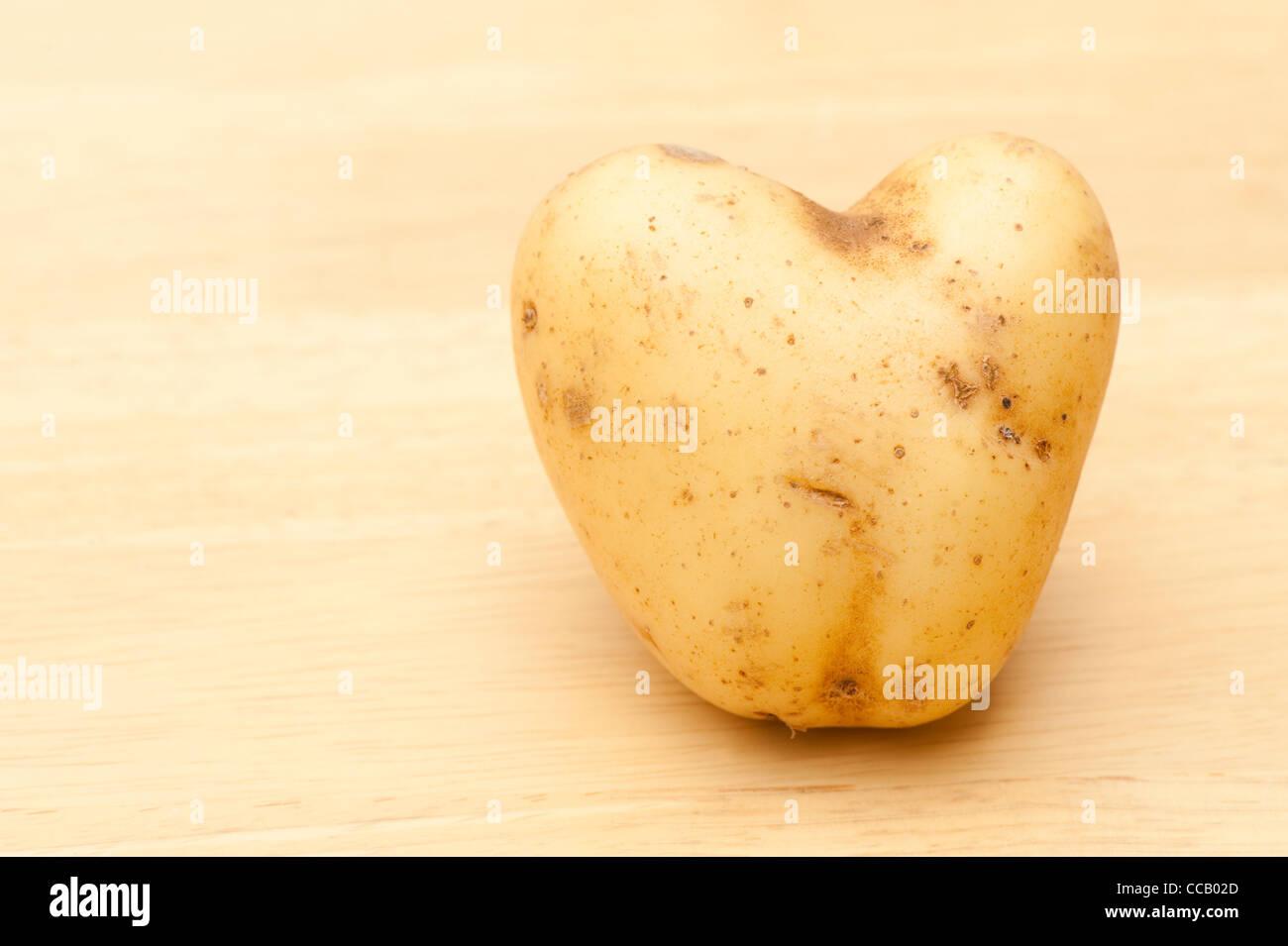 Heart-shaped 'Vivaldi' potato - Stock Image