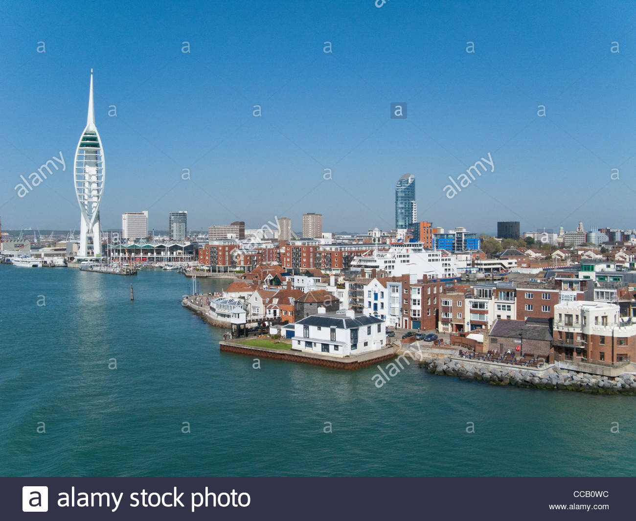 Cityscape of Portsmouth with modern spire in background - Stock Image