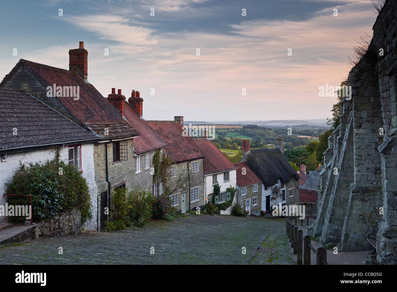 Sunset at Gold Hill, Shaftesbury, Dorset, England, UK. - Stock Image