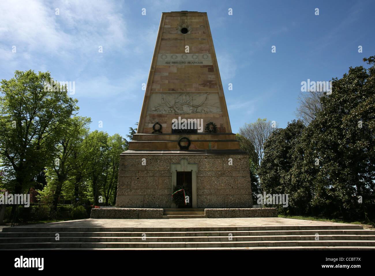 Magenta, Ossario caduti, statua gen. Mac Mahon, Lombardy, Italy, Europe - Stock Image
