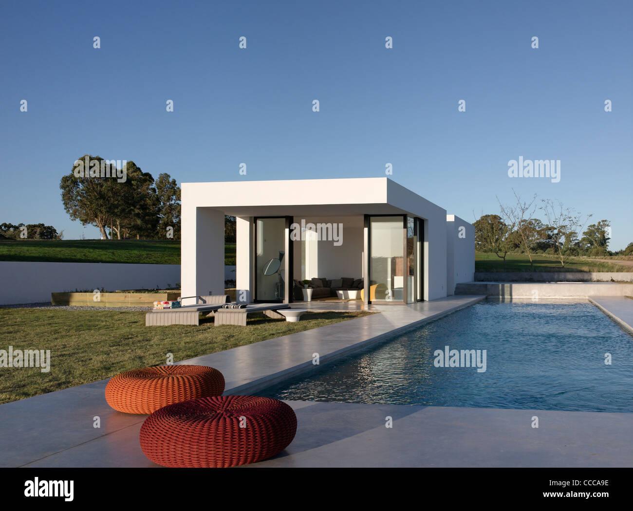 House 10/ Chacra 10, Kallosturin, Villalagos Estate, Punta del Este, Uruguay, 2011, swimming pool and poolhouse - Stock Image
