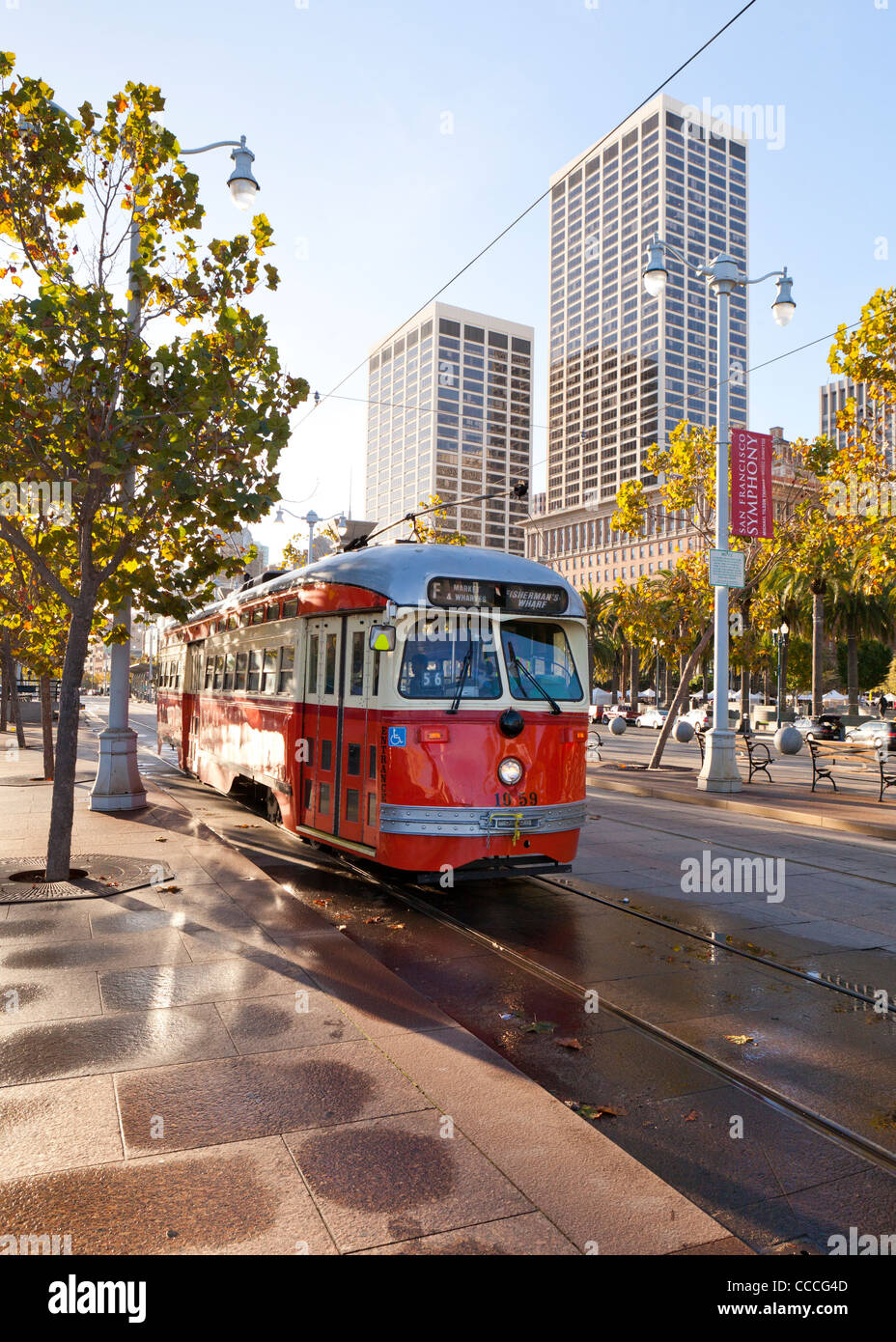 Vintage trolley bus still in use by San Francisco Municipal Transportation Agency - Stock Image