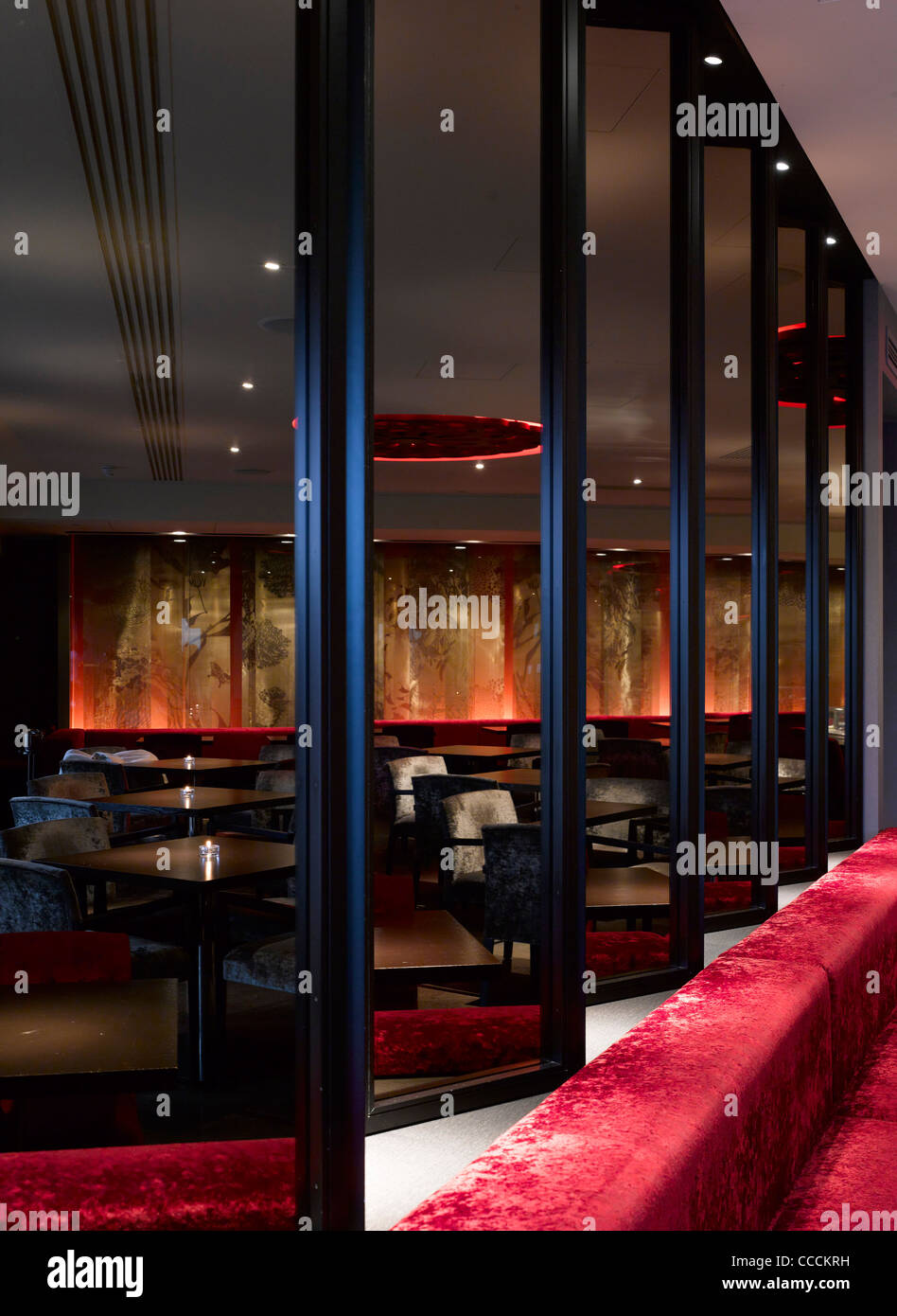 Aqua Restaraunt, London, Glamorous, 2011-seating - Stock Image