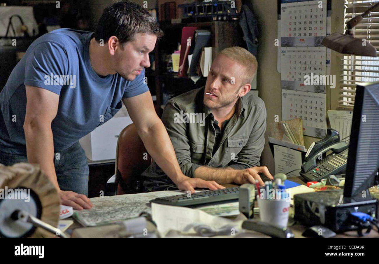 CONTRABAND  2012 Universal film with Mark Wahlberg at left and Ben Foster - Stock Image