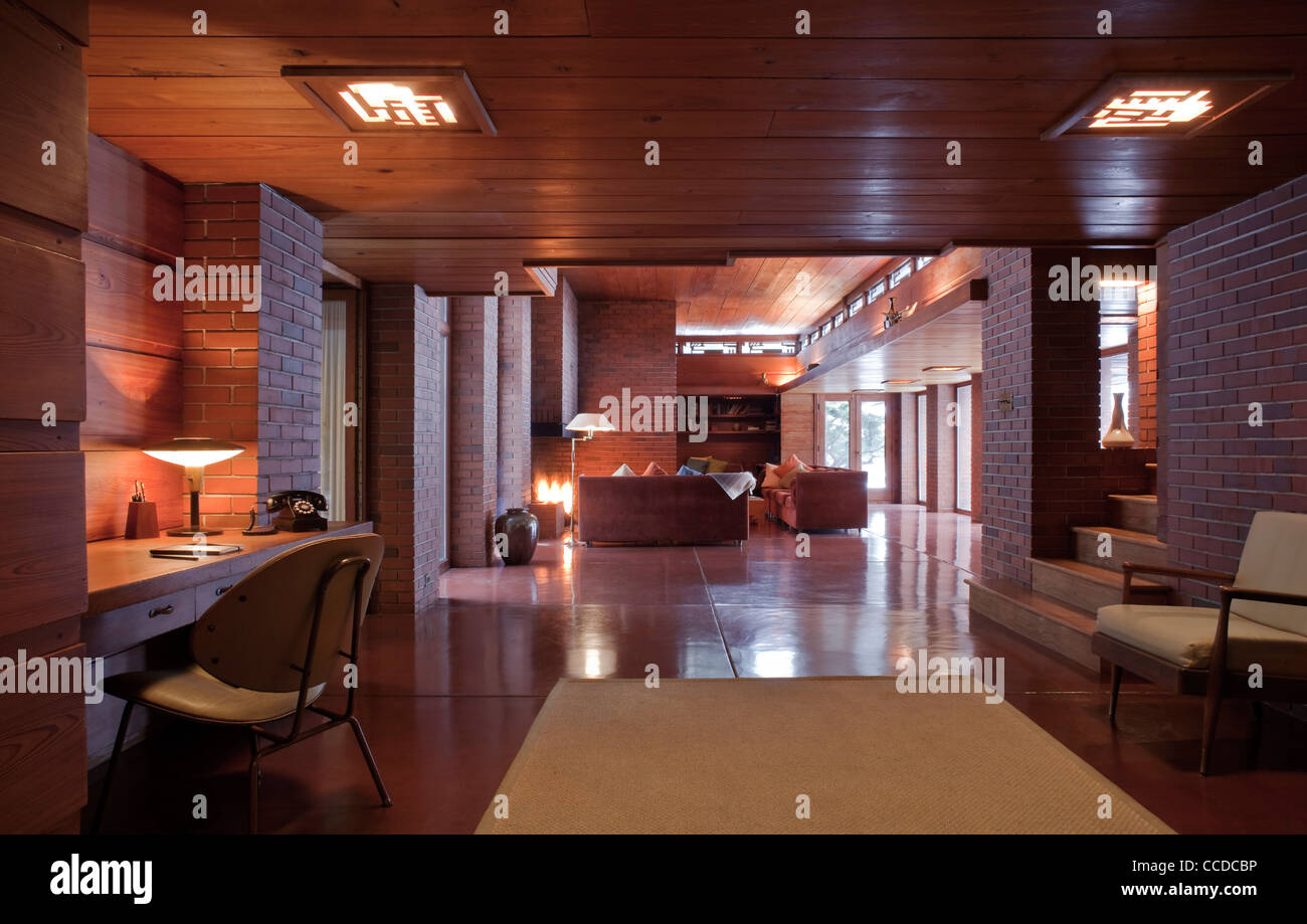 Schwartz House Frank Lloyd Wright View Looking From Reception Area Through To The Central Lounge Area Stock Photo Alamy