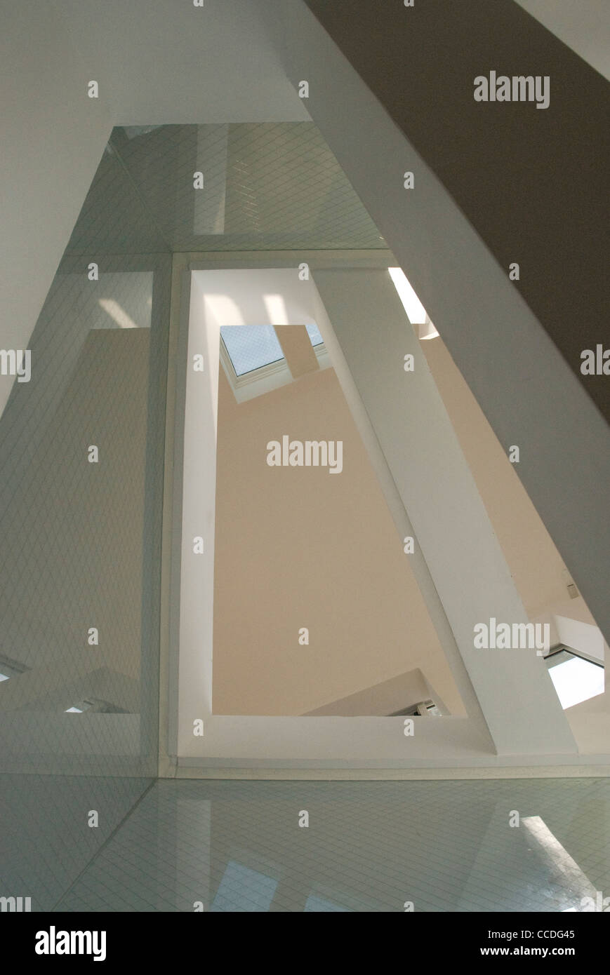 TOKYO APARTMENT JAPAN SOU FUJIMOTO ARCHITECTS-ABSTRACT VIEW LOOKING INTO ''ATTIC ROOM'' - Stock Image