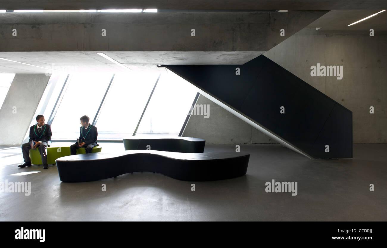 EVELYN GRACE ACADEMY, ZAHA HADID ARCHITECTS, LONDON, 2010, INTERIOR SHOWING SEATING AREA Stock Photo