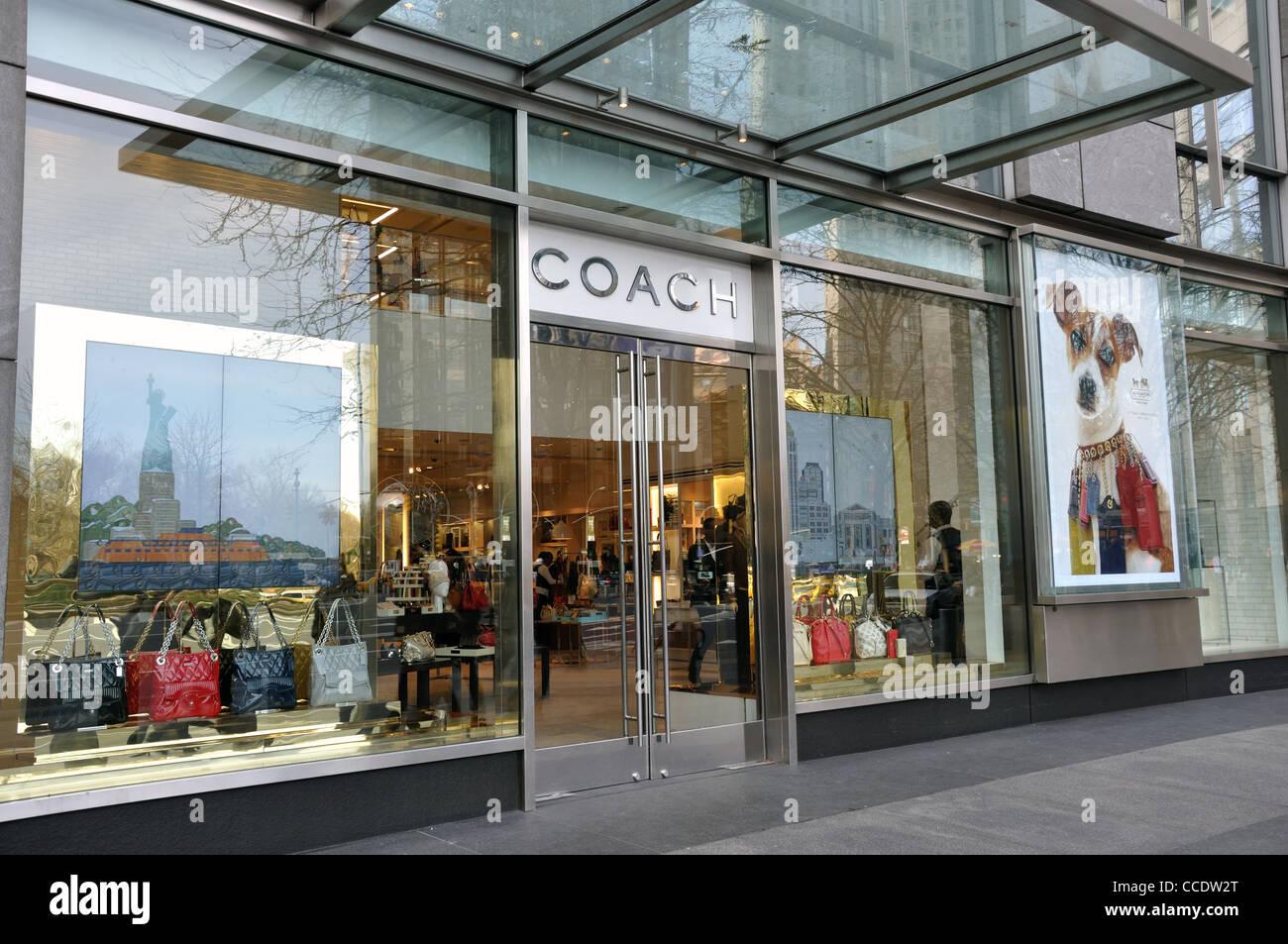 6197eeede9 Coach Shop Bags Stock Photos & Coach Shop Bags Stock Images - Alamy