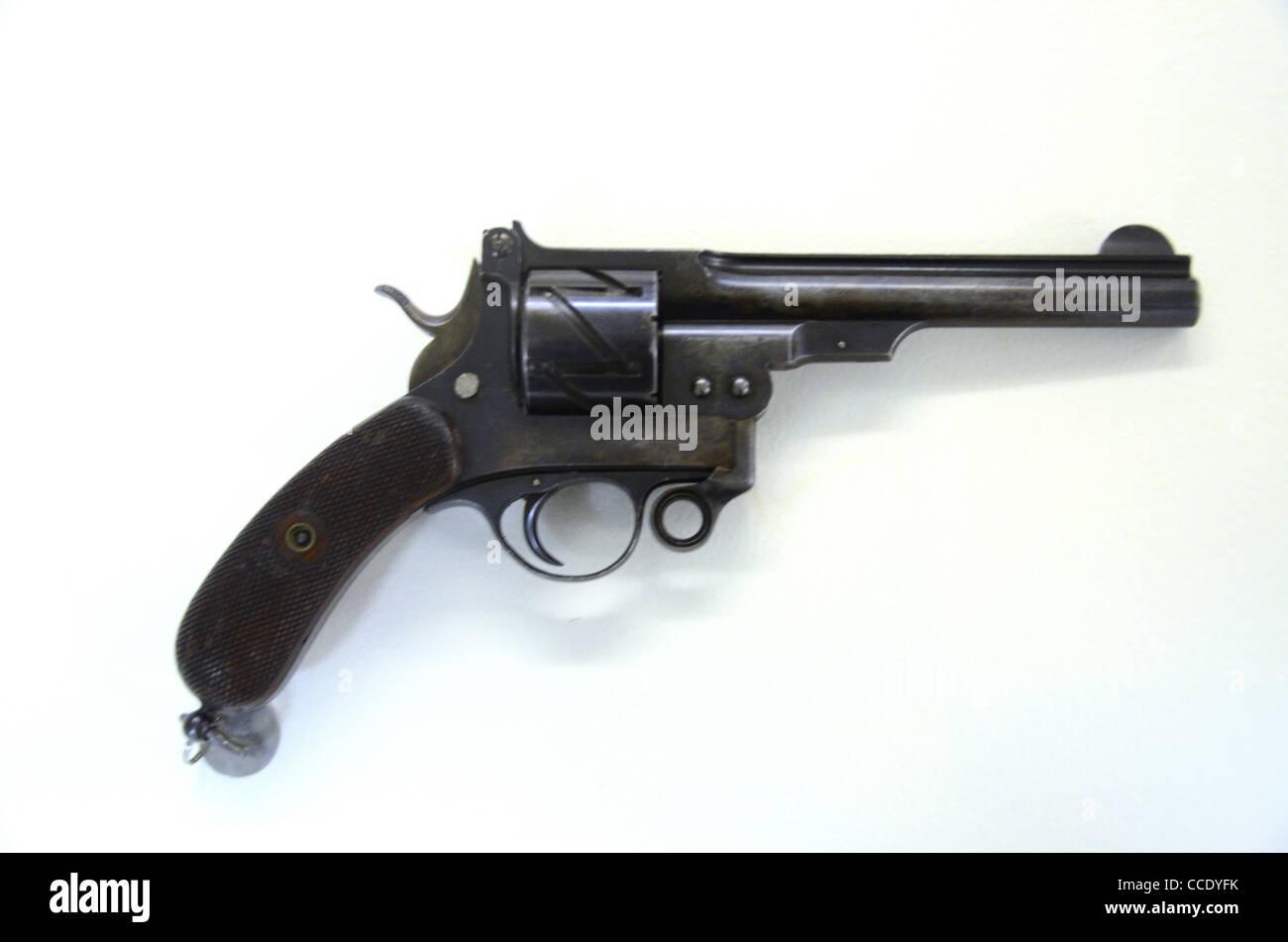 Mauser ZIG ZAG Revolver M78 10.6mm 6 shot military pistol 1878 - Stock Image