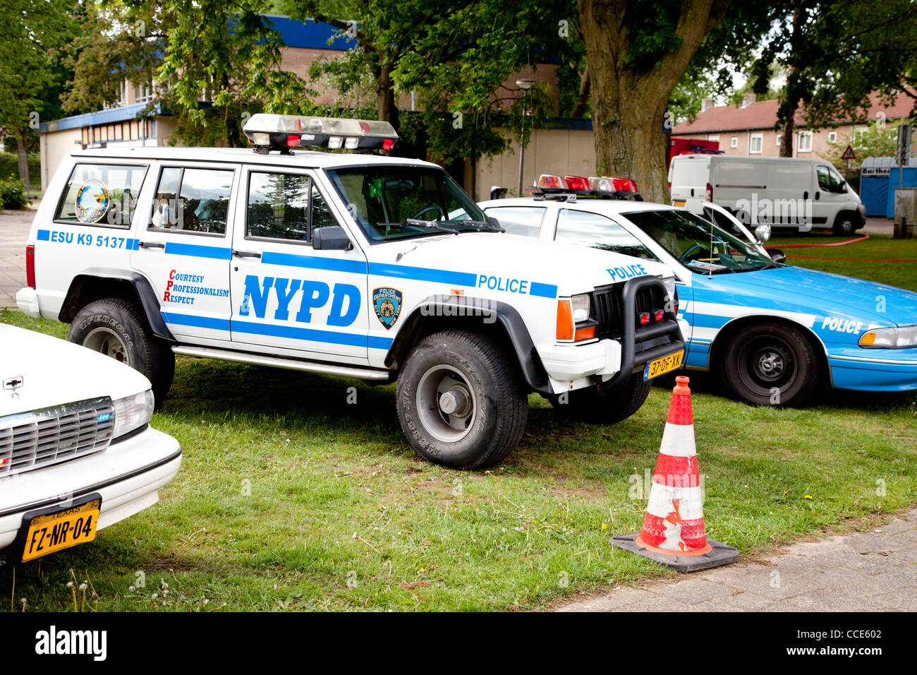 Old Cop Cars >> Old Police Car In Grass Stock Photo 42108642 Alamy