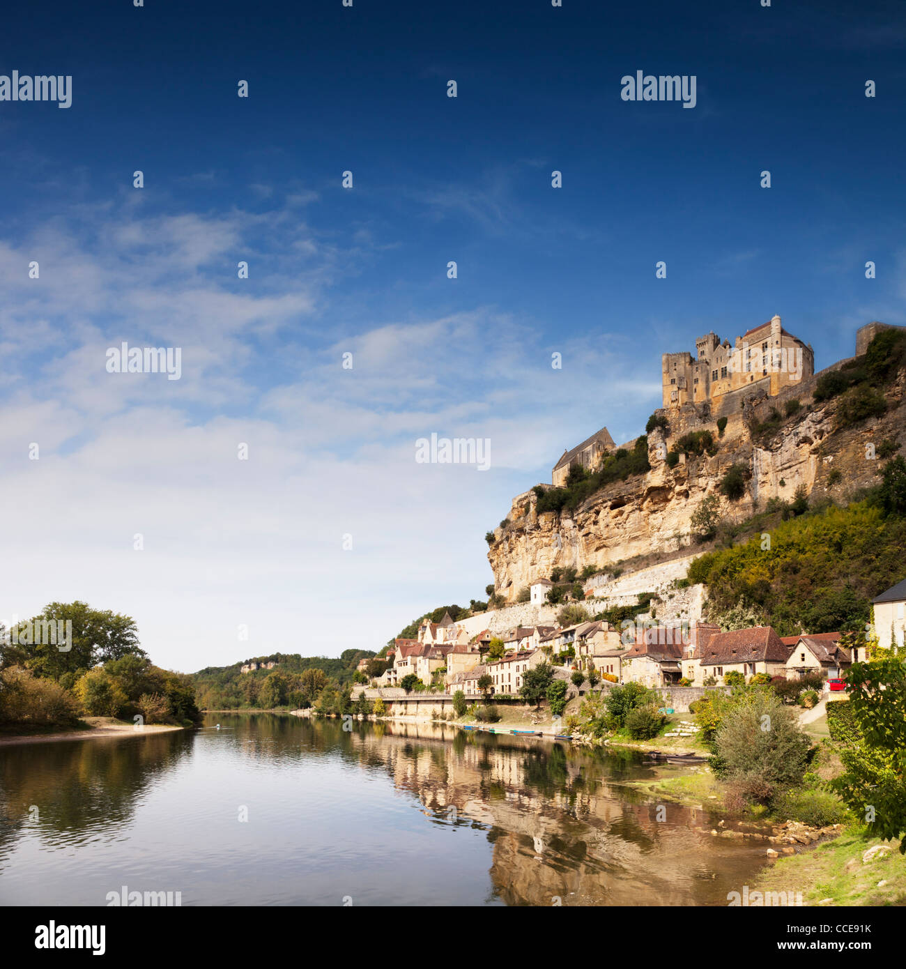 Chateau de Beynac, Beynac et Cazenac, perched on its rock above the River Dordogne in Haute-Vienne, Limousin, France. - Stock Image