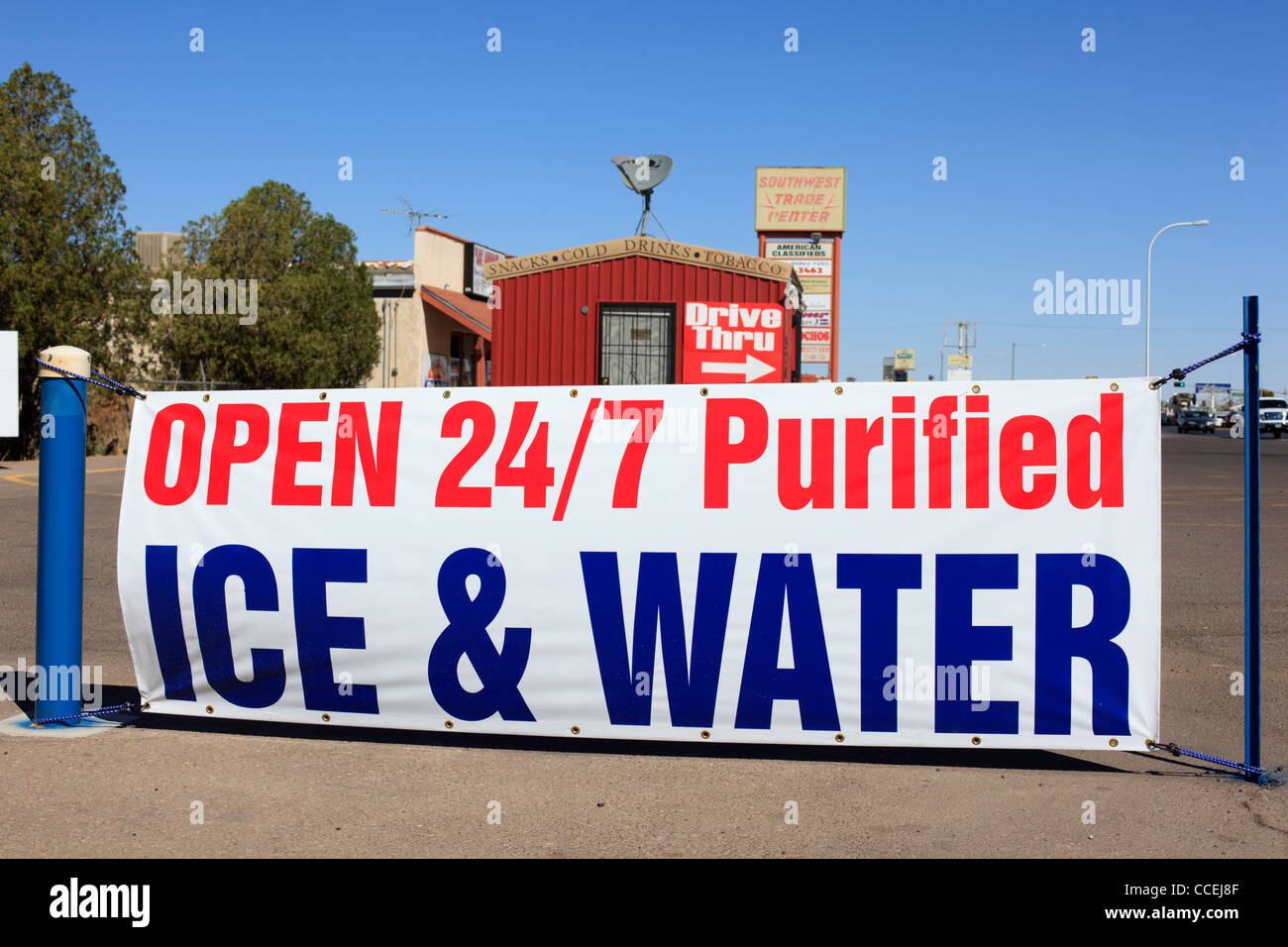 A sign for purified ice and water in Las Cruces, New Mexico. - Stock Image
