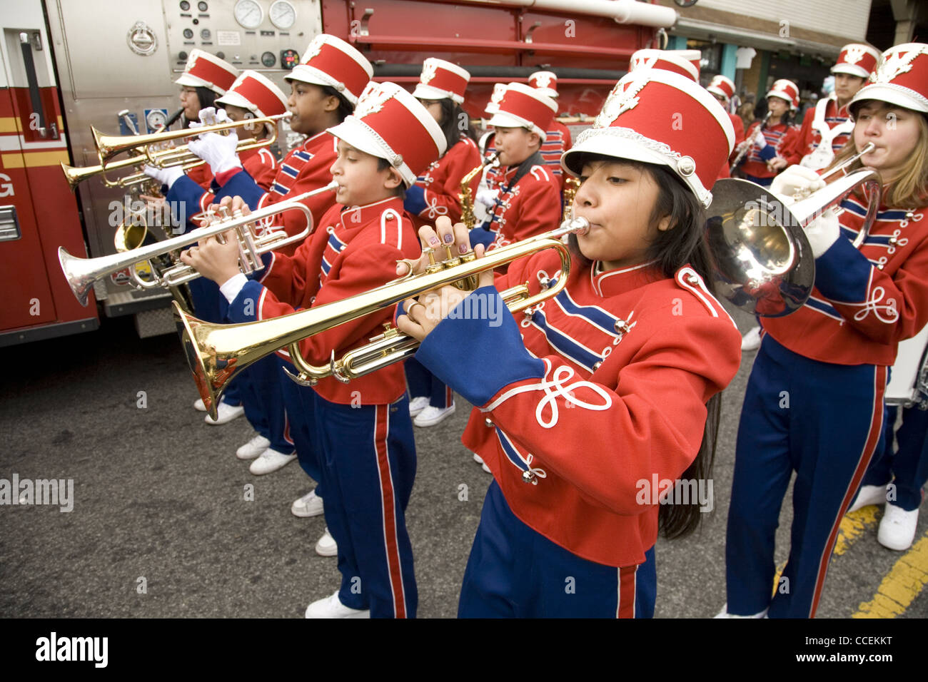 2012 Three Kings Day Parade, Brooklyn, New York. Junior high school marching band in the parade. - Stock Image