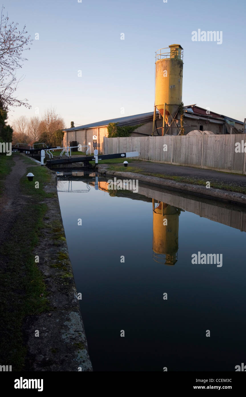 Junction of the Aylesbury Arm of the Grand Union Canal at Marsworth - Stock Image