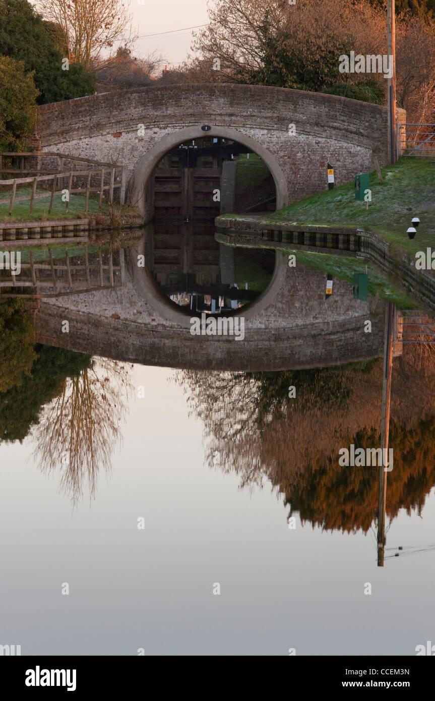 Accomodation Bridge over Aylesbury Arm of the Grand Union Canal - Stock Image