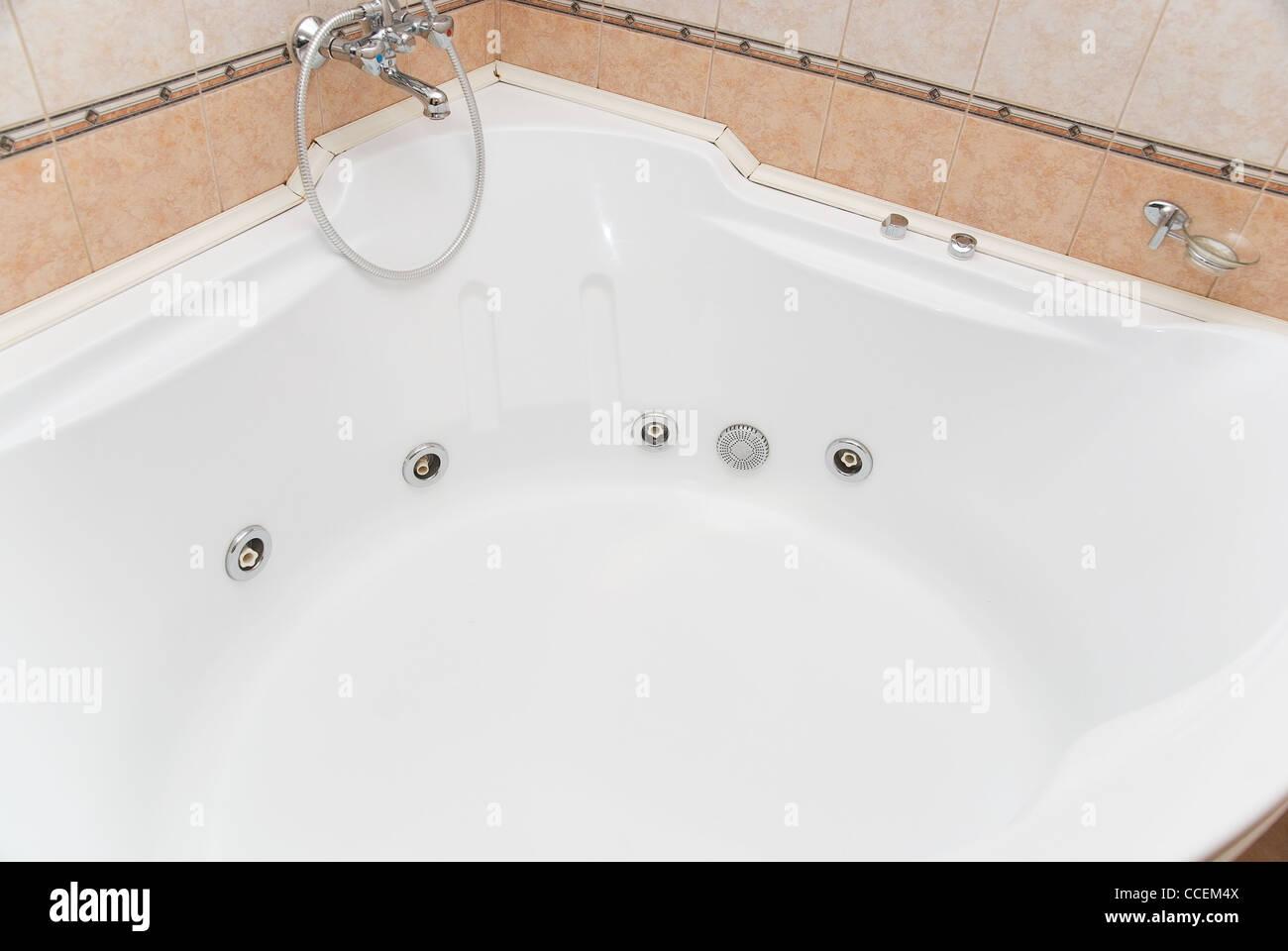 Big Bathtub Spa With Hydro Massage