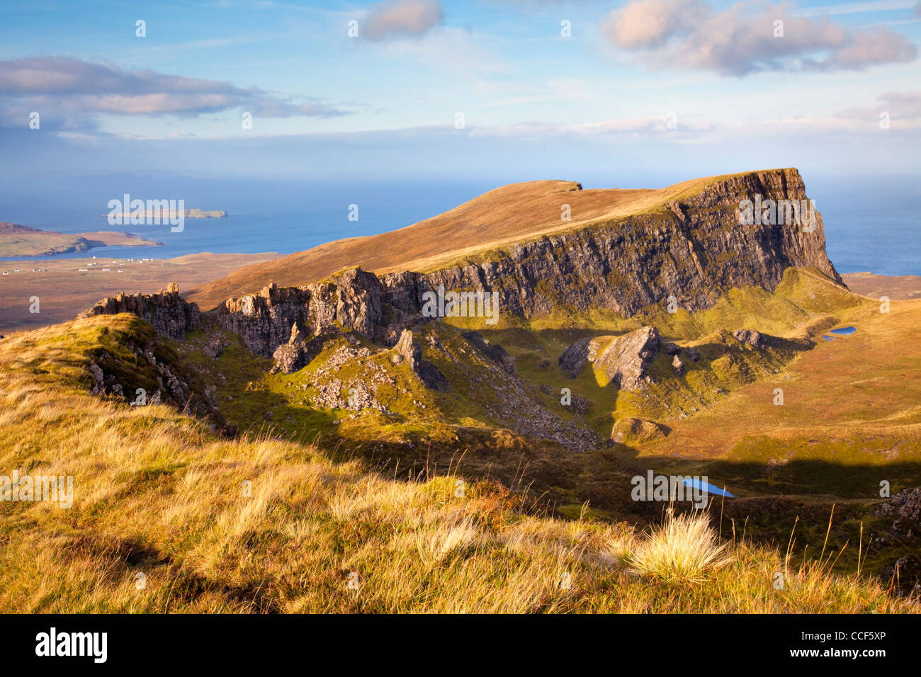 The Trotterish Ridge at Fir Bhreugach, part of the popular circular  Quiraing walk on the Isle of Skye - Stock Image