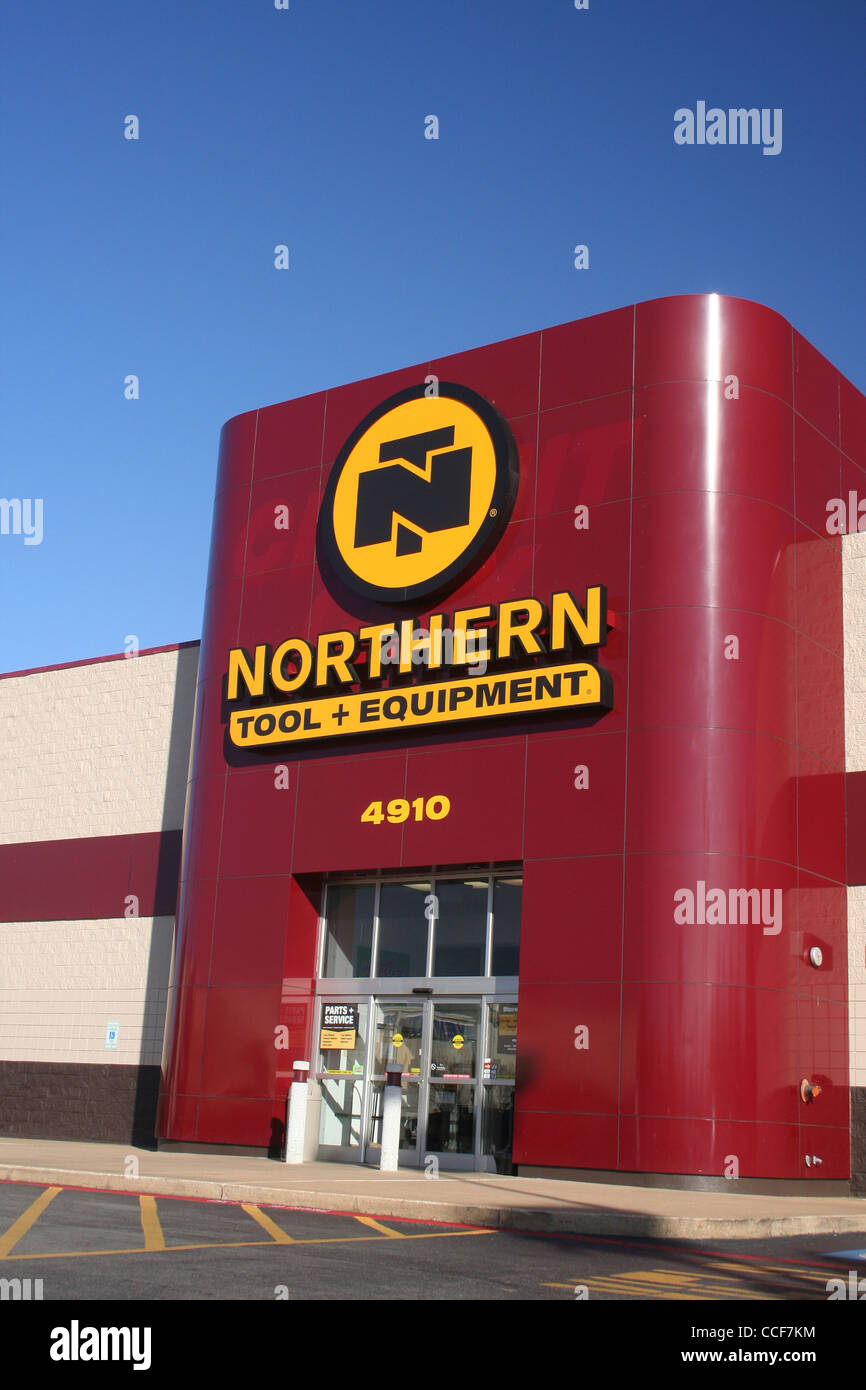 Northern Tool Store In Former Circuit City Building