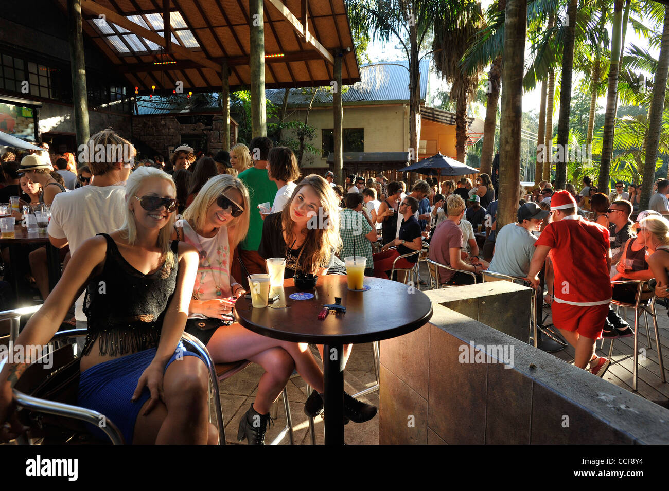 Byron Bay's Buddah Bar and Brewery is a popular haunt the worlds traveling young. - Stock Image