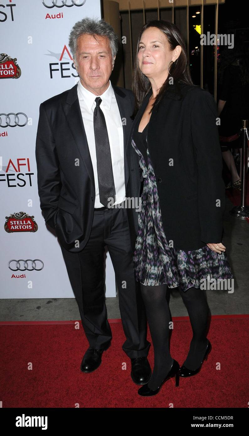 Nov 06, 2010 - Los Angeles, California, USA - Actor DUSTIN HOFFMAN and wife LISA at the 'Barney's Version' - Stock Image