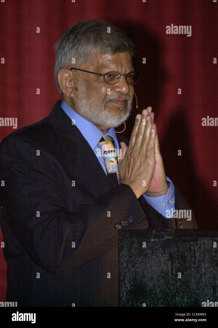 Arun Gandhi, who teaches nonviolence, speaks to the crowd at the Rheem Theatre in Moraga, Calif., on Sunday, June - Stock Image