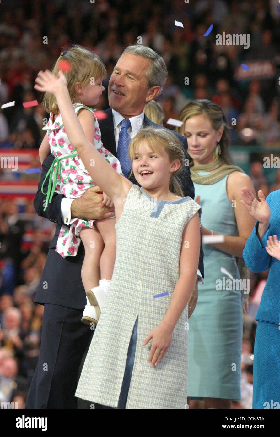 George w bush daughters naked, very young pre lola girls self pics