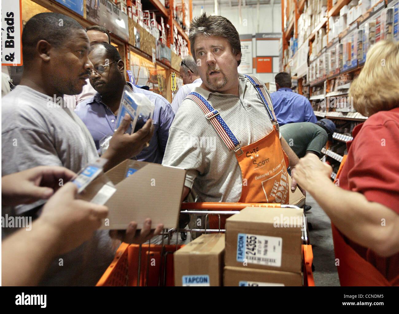 092304 Met Jeanne West Palm Beach Home Depot Worker Scott Golin Cq