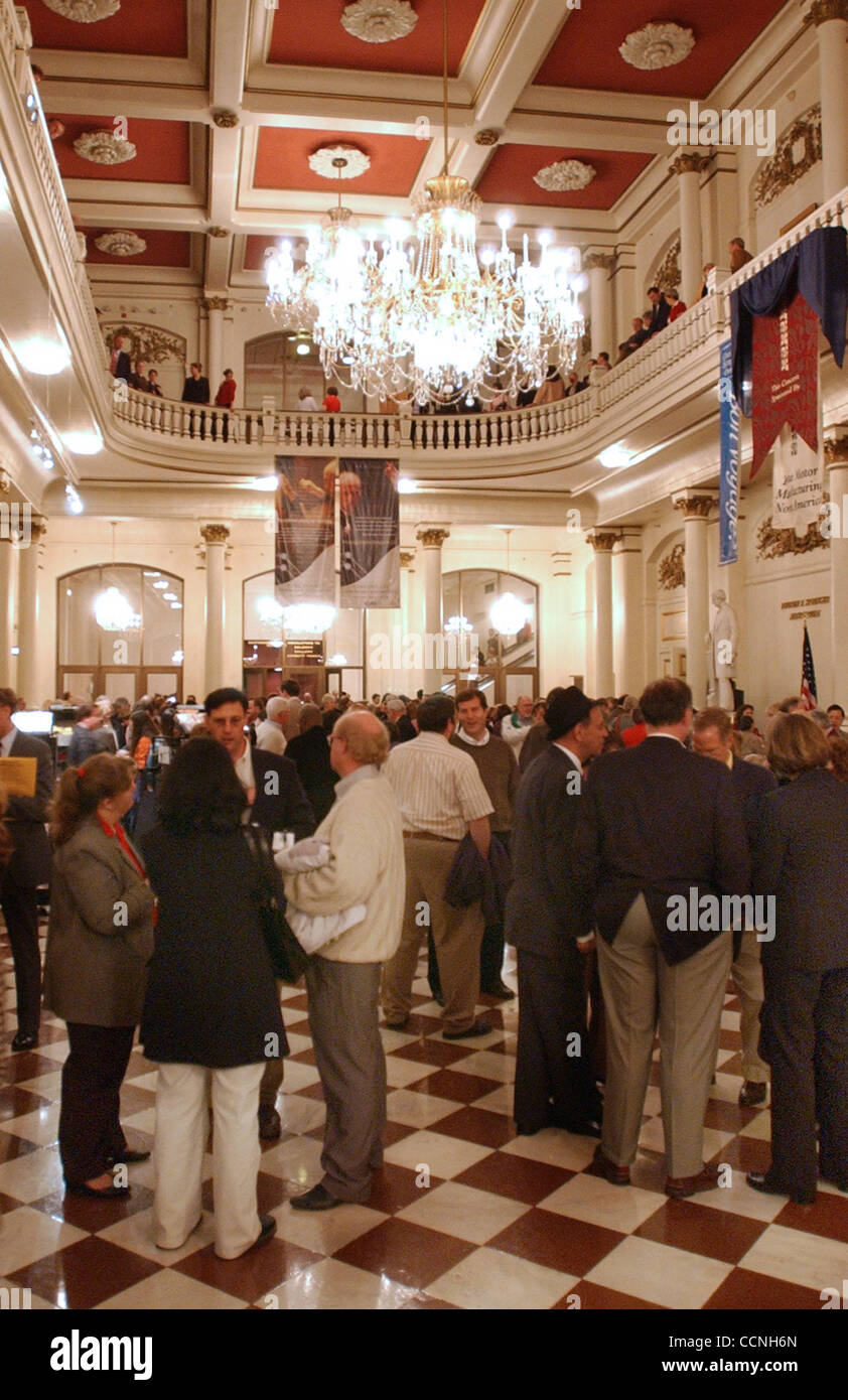 Oct 21, 2004 - Cincinnati, Ohio, USA - Patrons wait in the lobby of Music Hall for the program to begin with Paavo - Stock Image