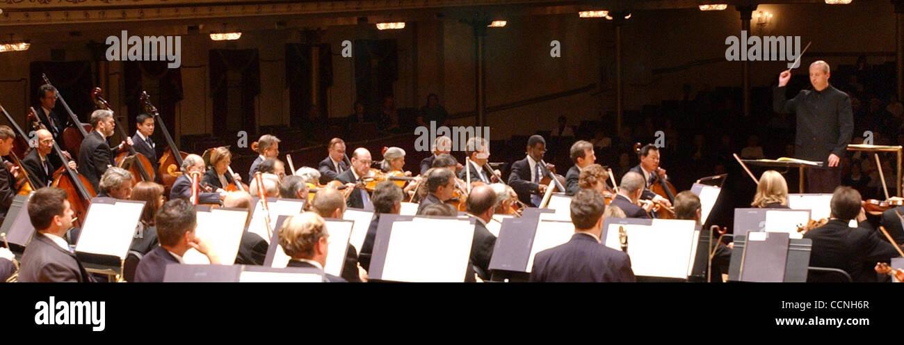 Oct 21, 2004 - Cincinnati, Ohio, USA - PAAVO JARVI, Music Director of the Cincinnati Symphony Orchestra. Conducts - Stock Image