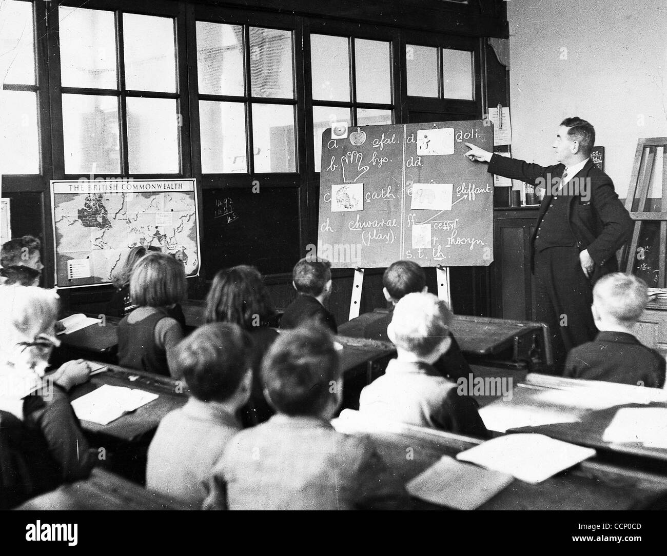 'London kiddies evacuated to a little Welsh village are attending the village school. One of the most important - Stock Image